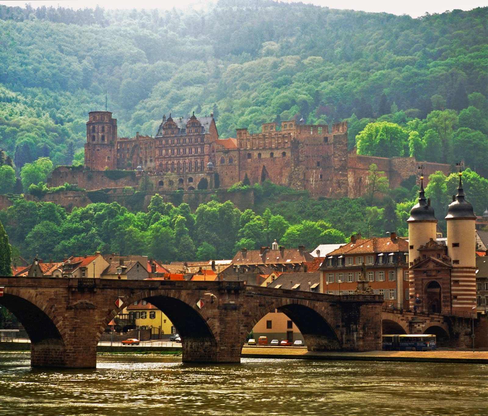 Heidelberger_Schloss_und_Bruecke-1